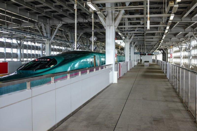 Aomori, Aomori City, Transportation, JR East Shin-Aomori Station